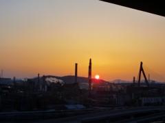 夕方の工場群