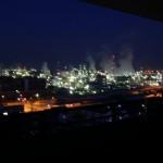 夜の工場群